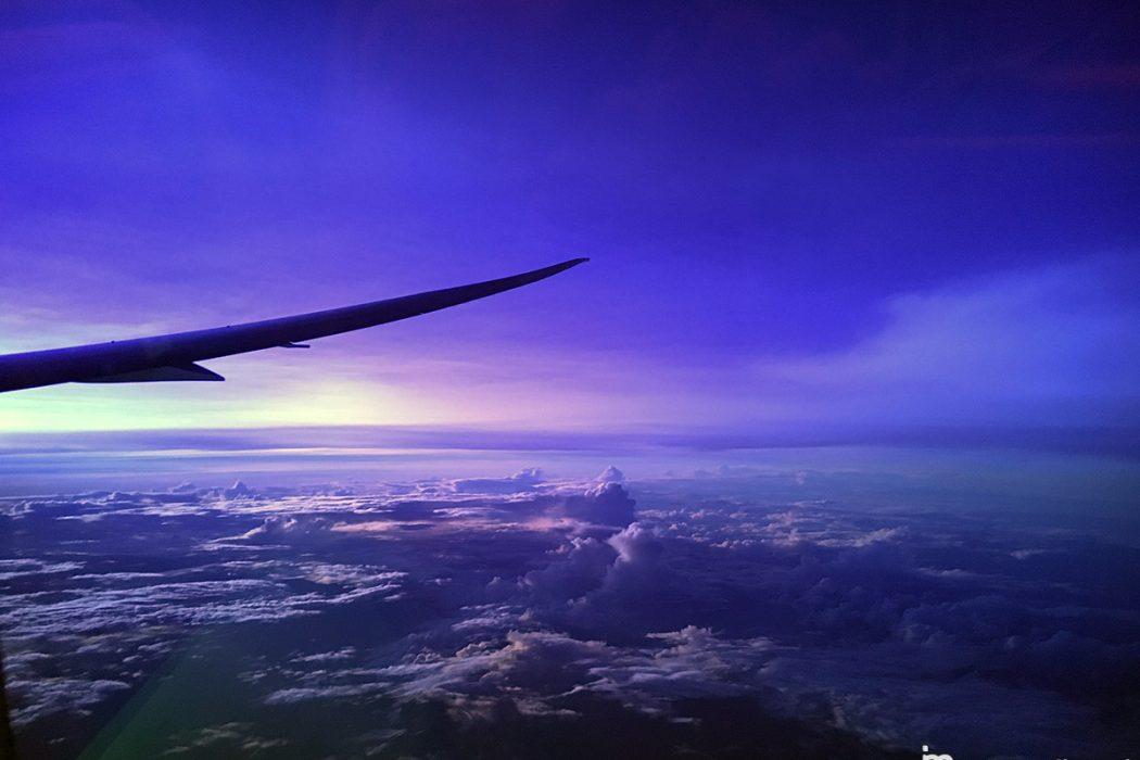 hawaii_air_nz_flight_purple_sky