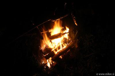 Peka koruze na ognju